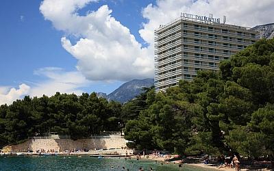 Valamar Riviera i AZ mirovinski fondovi u akviziciji Hotela Makarska