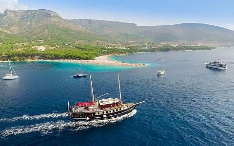 Brod Polaris - Split
