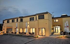 Hotel Santiny