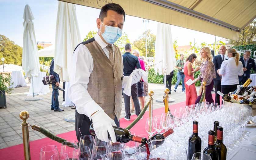 Jedinstvena berba zinfandela u središtu Zagreba uz predstavljanje prvih Esplanadinih butelja potpisom vinarije Krauthaker