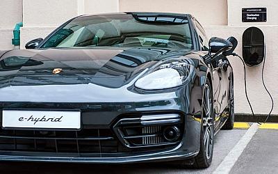 Esplanade predstavio prvu Porsche destinacijsku stanicu za punjenje hibridnih vozila u Hrvatskoj